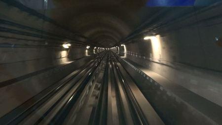 20110414132431dubai_metro1